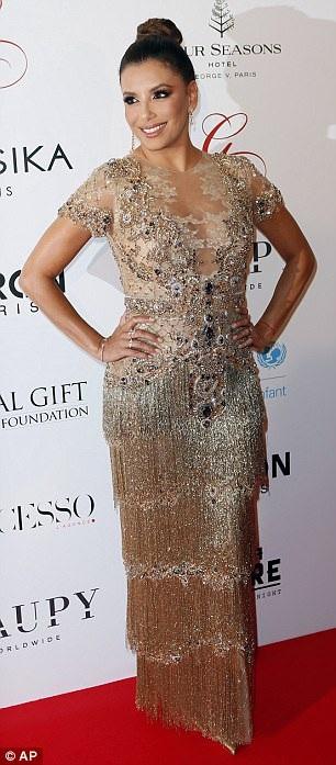 Eva Longoria trong một buổi tiệc từ thiện trước đó 2 ngày ở Pháp