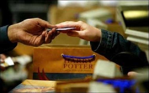 Doanh nghiệp đề nghị điều tra dấu hiệu lừa đảo trong việc cán bộ ngân hàng lập các hợp đồng tín dụng và hợp đồng thế chấp tài sản (ảnh minh họa)