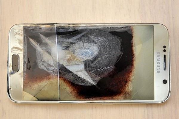 Chiếc smartphone Galaxy S6 đã bị hư hại hoàn toàn sau vụ nổ