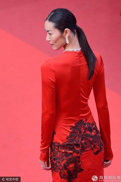 Liu Wen là một trong những người mẫu hiếm hoi của châu Á được mời trình diễn cho Victorias Secret.