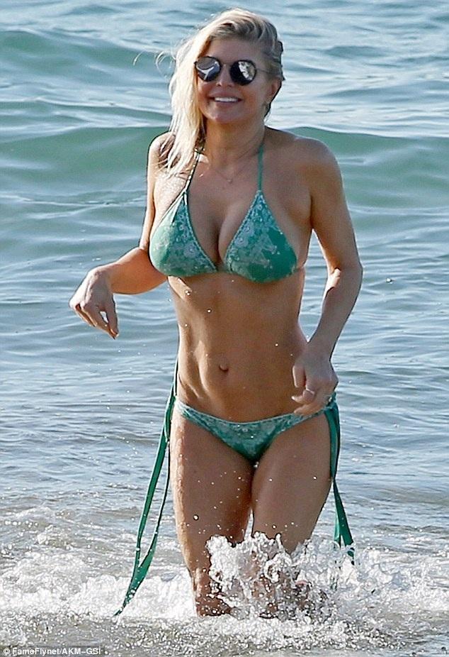 Việc luyện tập vũ đạo giúp Fergie có một thần hình tuyệt đẹp và khỏe khoắn.