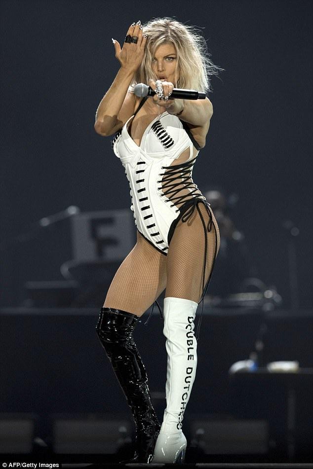 Fergie dồn sức cho các dự án âm nhạc mới để quên đi nỗi buồn hôn nhân tan vỡ