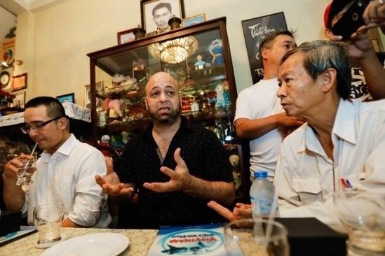 Võ sư Flores chỉ muốn kiểm chứng công phu truyền điệncủa võ sư Huỳnh Tuấn Kiệt