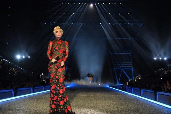 Khách mời VIP của Victorias Secret Fashion Show 2016 có Lady Gaga