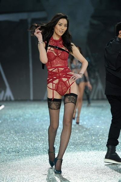 Liu Wen - 1 trong 4 siêu mẫu Trung Quốc tham gia Victorias Secret Fashion Show 2016
