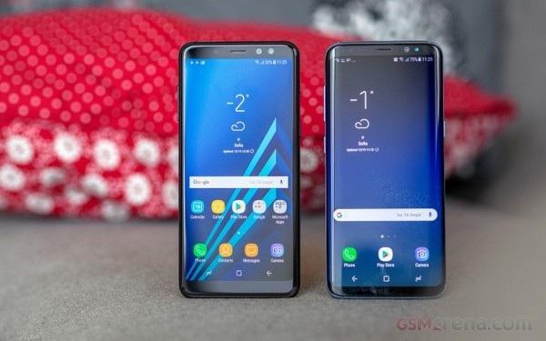 Galaxy A8 (trái) có phong cách thiết kế khá giống với Galaxy S8 (phải)