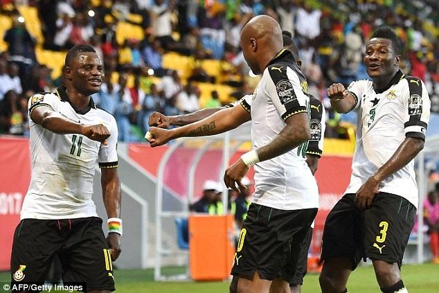 Ghana giành chiến thắng sít sao trước Uganda