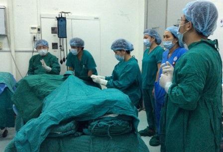 Ê kíp phẫu thuật chờ đợi thời gian người bệnh ngưng tim trước khi thực hiện nhận tạng