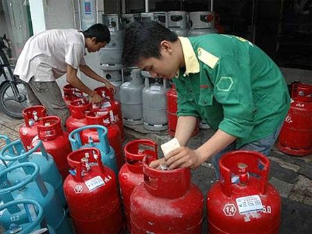 Đây là tháng thứ 3 liên tiếp giá gas tăng với tổng mức tăng 71.000 đồng/bình
