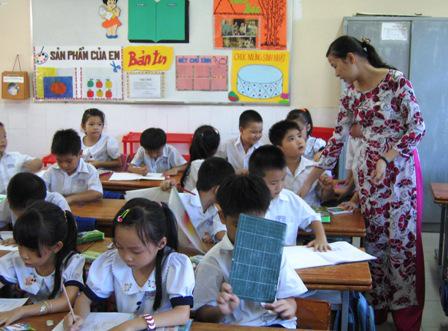 Trong hầu hết các hệ thống giáo dục có hiệu quả cao (Úc, Canada, Phần Lan, Hồng Kông, Trung Hoa, Hà Lan và Thụy Điển), giáo viên được quyền tự chủ đáng kể để quyết định làm thế nào để đáp ứng được nhu cầu của học sinh của họ.