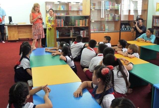 Quy định giáo viên bản ngữ không được đặt tên tiếng Anh cho học sinh của ngành giáo dục TPHCM đang gây nhiều tranh cãi. (Ảnh minh họa: Hoài Nam)
