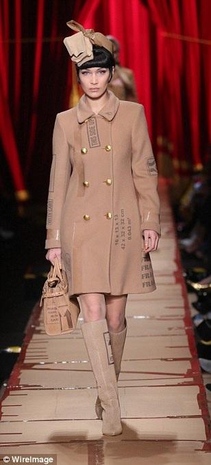Bella Hadid - siêu mẫu hàng đầu thế giới năm 2016 do tạp chí GQ bình chọn