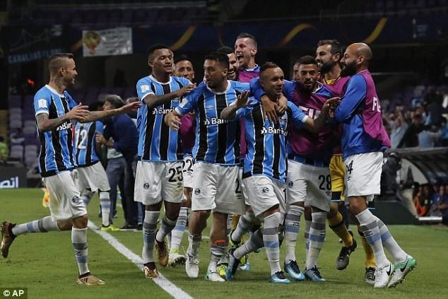 Gremio vượt qua Pachuca (Mexico) 1-0 ở bán kết nhờ bàn duy nhất của Everton