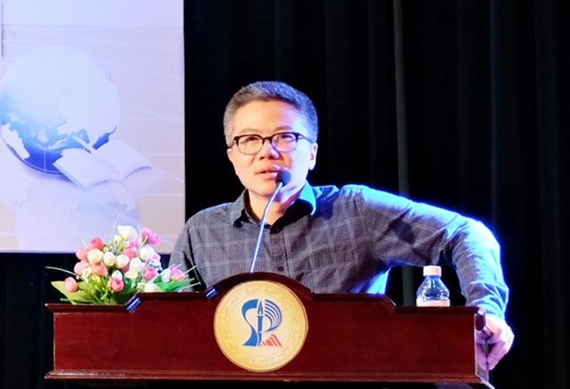 GS Ngô Bảo Châu cho biết sắp tới sẽ tổ chức các câu lạc bộ hướng nghiệp cho học sinh phổ thông. (Ảnh: Khánh Hiền)
