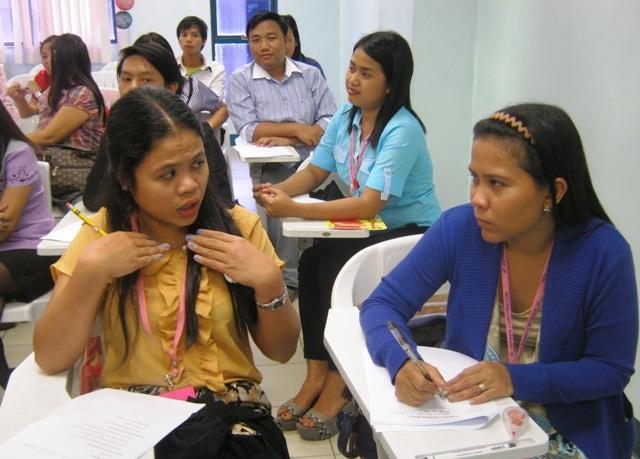 Giáo viên Philippines trong đợt thi tuyển sang Việt Nam dạy học. (Ảnh: Hoài Nam)