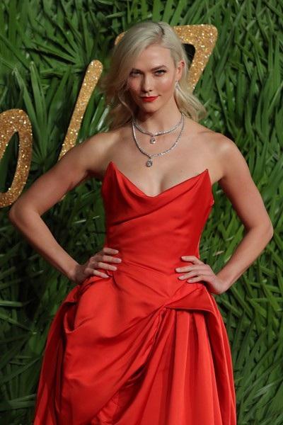 Karlie Kloss - siêu mẫu cao 1,88m
