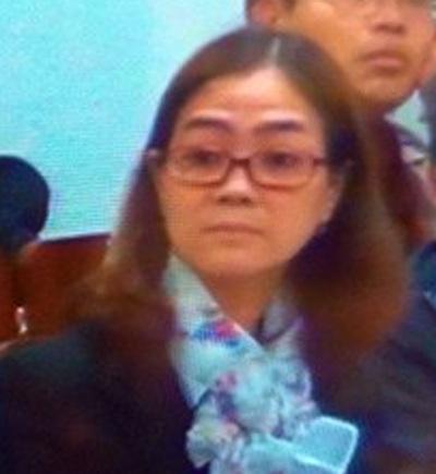 Bà Vũ Thị Hương Thảo, đại diện Ngân hàng Đại Tín trả lời về mối quan hệ tay ba giữa Oceanbank - Cty Trung Dung - Ngân hàng Đại Tín.