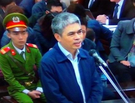 Nguyễn Xuân Sơn thường xuyên bảo người anh họ là Nguyễn Xuân Thắng đến chỗ Hà Văn Thắm để chuyền tiền về cho mình.