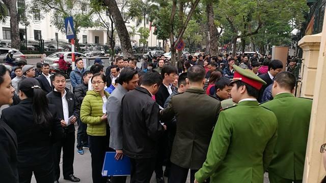 Phạm Công Danh xuất hiện trong phiên xử Hà Văn Thắm - 11