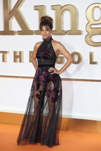 Halle Berry dự công chiếu phim mới Kingsman: The Golden Circle tại London, Anh quốc ngày 18/9 vừa qua