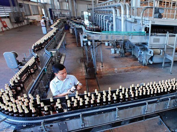 Dây chuyền sản xuất bên trong nhà máy của Habeco, Ảnh: Đầu tư