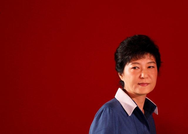 Bà Park Geun-Hye, nữ Tổng thống đầu tiên của Hàn Quốc, đã bị phế truất sau quyết định của Tòa án Hiến pháp đưa ra sáng ngày 10/3. (Ảnh: Reuters)