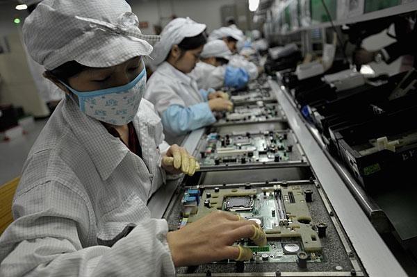 Hàng hoá, máy móc thiết bị Hàn Quốc đổ dồn về Việt Nam do tận dung ưu đãi thuế quan.