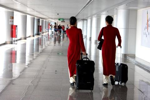 Nhân viên phi hành đoàn và tiếp viên sắp tới sẽ bị siết chặt điều kiện miễn thuế với hành lý (ảnh minh hoạ)