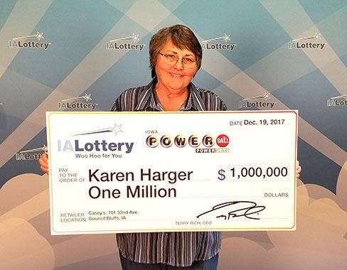 Chủ nhân may mắn của tấm vé số 1 triệu USD