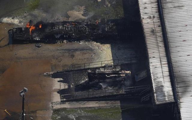 Vụ nổ nhà máy hóa chất tại Crosby, Texas ngày 31/8 dấy lên quan ngại về sức khỏe của người dân và ảnh hưởng tới môi trường sau cơn bão. (Ảnh: Reuters)