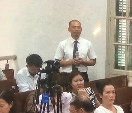 Ông Hoàng Văn Dũng đại diện PVN trả lời tại Toà về việc góp vốn 800 tỉ đồng vào Oceanbank.