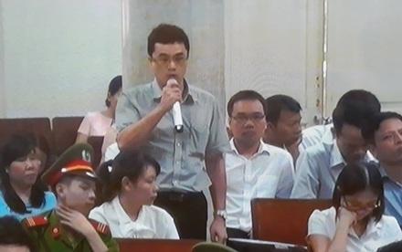 Ông Trần Thanh Quang, nguyên Phó Tổng Giám đốc Oceanbank có mặt tại toà phản bác lời khai của các thuộc cấp.