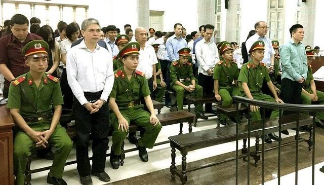 Nguyễn Xuân Sơn từ Phó Tổng giám đốc PVN được điều sang làm Tổng Giám đốc Oceanbank và sau đó lĩnh án tử hình vì dính nhiều sai phạm tại ngân hàng này.