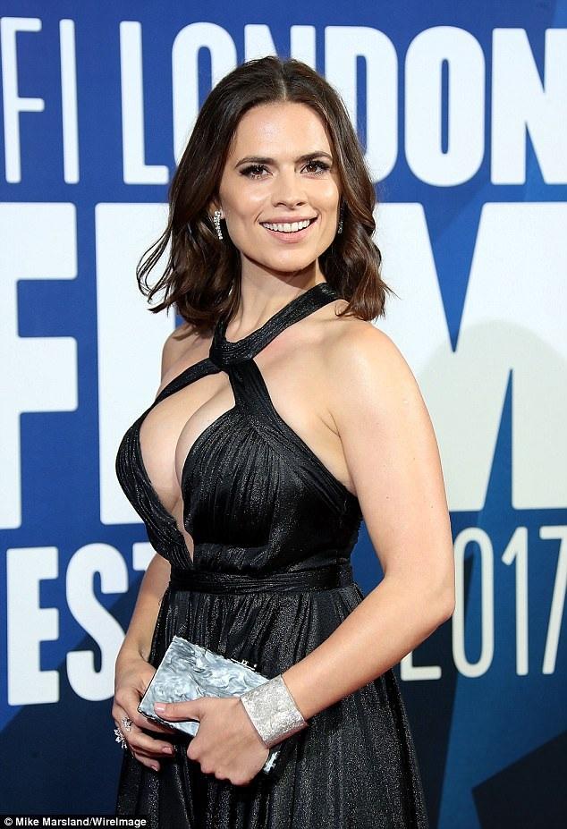 Cô thừa nhận so với nhiều nữ diễn viên khác, cô có phần hơi quá cân!