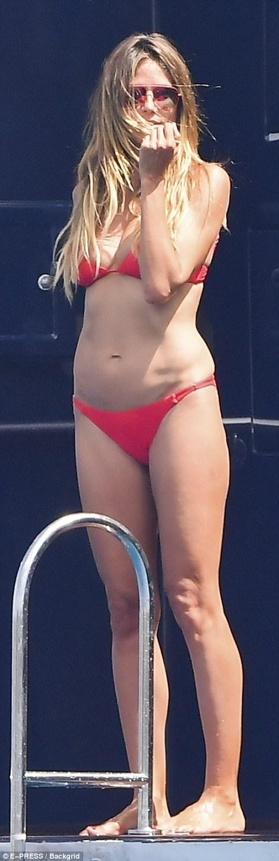 Cựu thiên thần Victorias Secret được cho là đang sở hữu khối tài sản ước chừng 70 triệu đô la Mỹ.