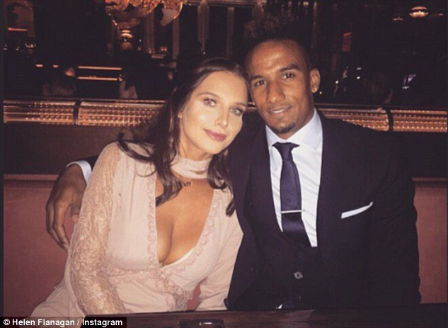 Helen Flanagan và cầu thủ bóng đá Scott Sinclair chưa kết hôn nhưng có kế hoạch sinh thêm con cho vui cửa, vui nhà