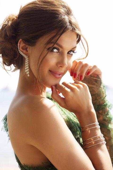 Hoa hậu hoàn vũ toả sáng tại Cannes - 11