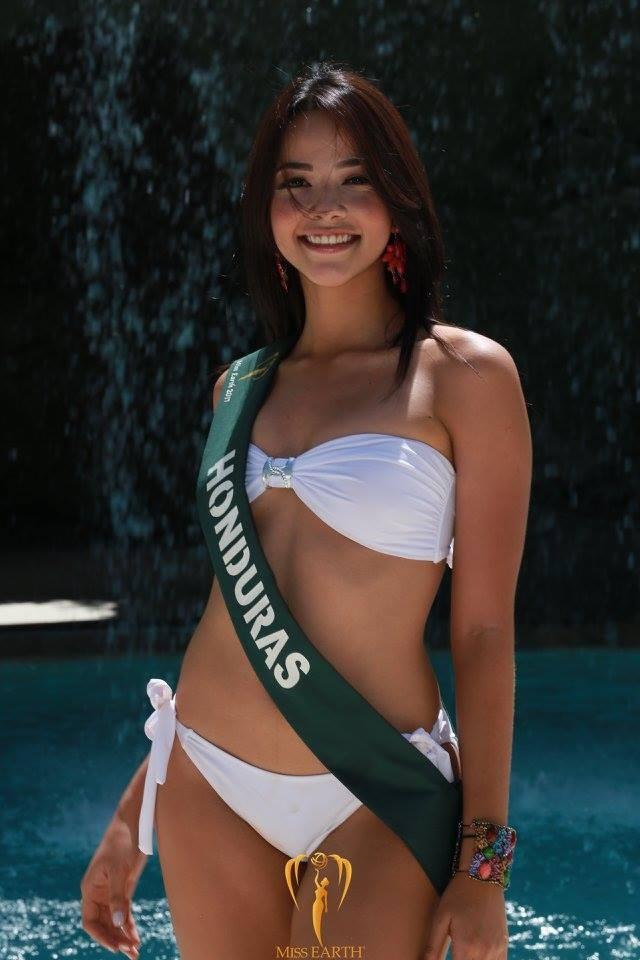 Mãn nhãn với phần trình diễn áo tắm của Hoa hậu Trái đất 2017 - 27