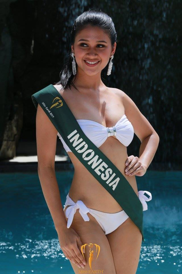 Mãn nhãn với phần trình diễn áo tắm của Hoa hậu Trái đất 2017 - 30
