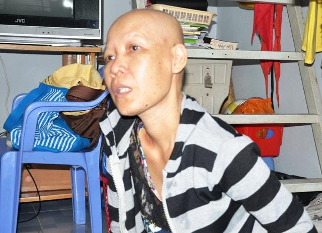 Chị Xuân Trang với bao nỗi khốn khổ, khó khăn chồng chất sau khi chồng chị qua đời.