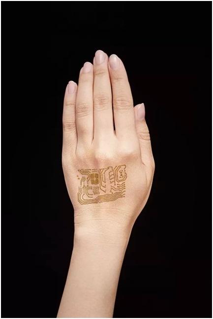 Thiết bị đeo tay siêu mỏng trông giống như một hình xăm và tạo ra cảm giác thoải mái đến mức người dùng không nhớ là mình đã đeo nó