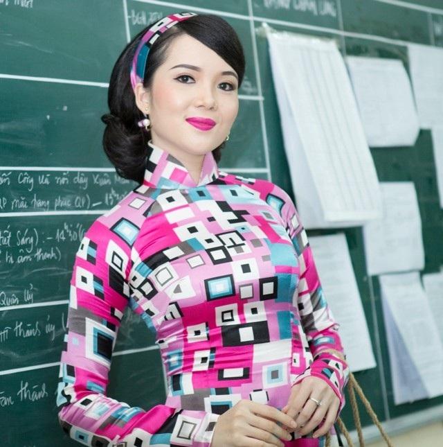 Hoa khôi Huỳnh Thúy Vi gửi lời chúc mừng Ngày Nhà giáo Việt Nam - 6