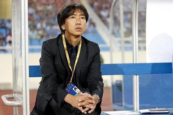 ... nhưng chính bầu Đức đã quên rằng ông từng chỉ trích HLV Miura thời ông này miệt mài vì đội tuyển quốc gia, theo cách còn nặng nề hơn