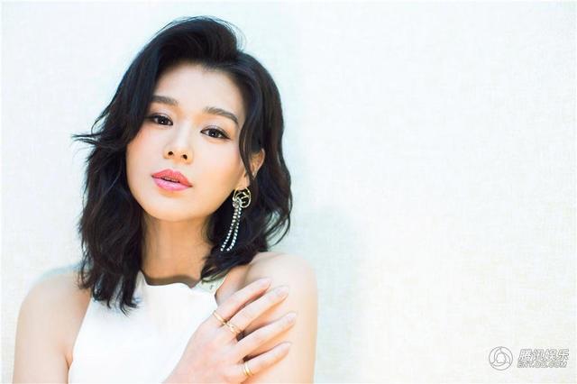 Cựu á hậu Hồng Kông mang bầu lần đầu ở tuổi 37 - 10