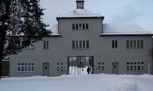 Trại tập trung Sachsenhausen ở Đức nơi từng diễn ra chiến dịch làm tiền giả quy mô lớn Bernhard của ĐQX