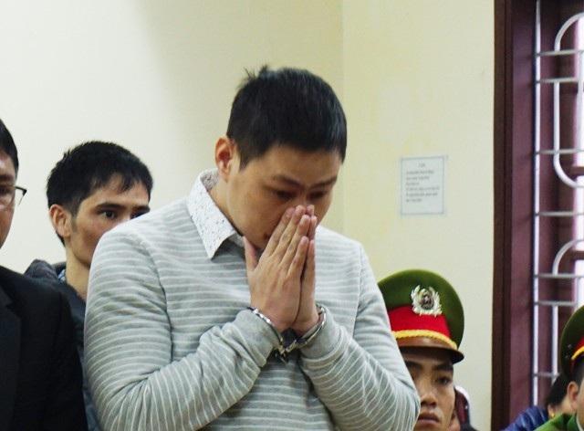 Hồ Sự Cơ bật khóc khi được giảm án từ tử hình xuống chung thân