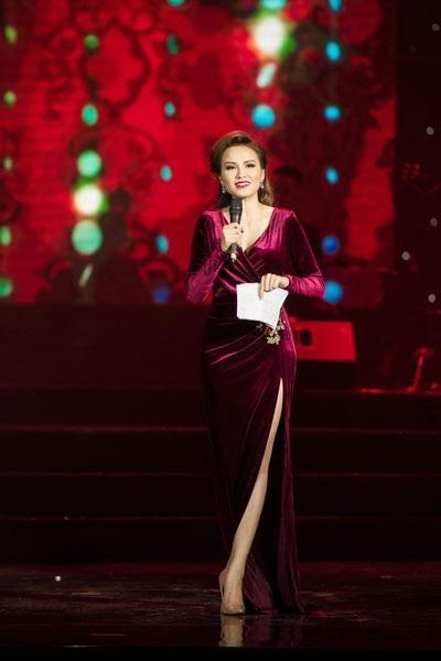 Hoa hậu Diễm Hương quyến rũ làm MC - 8
