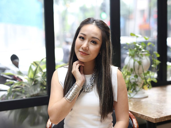 Hoa hậu Thế giới người Việt 2007 Ngô Phương Lan ngồi ghế giám khảo vòng sơ khảo miền Bắc.
