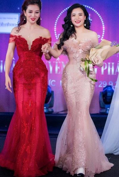 Hoa khôi Thu Hương công bố đề cử Nguyễn Thu Trang tham dự chương trình giao lưu Mrs Asia 2017.