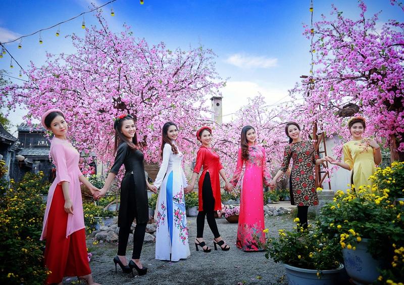 Dàn hoa khôi lộng lẫy trong trang phục áo dài đón Xuân - 7